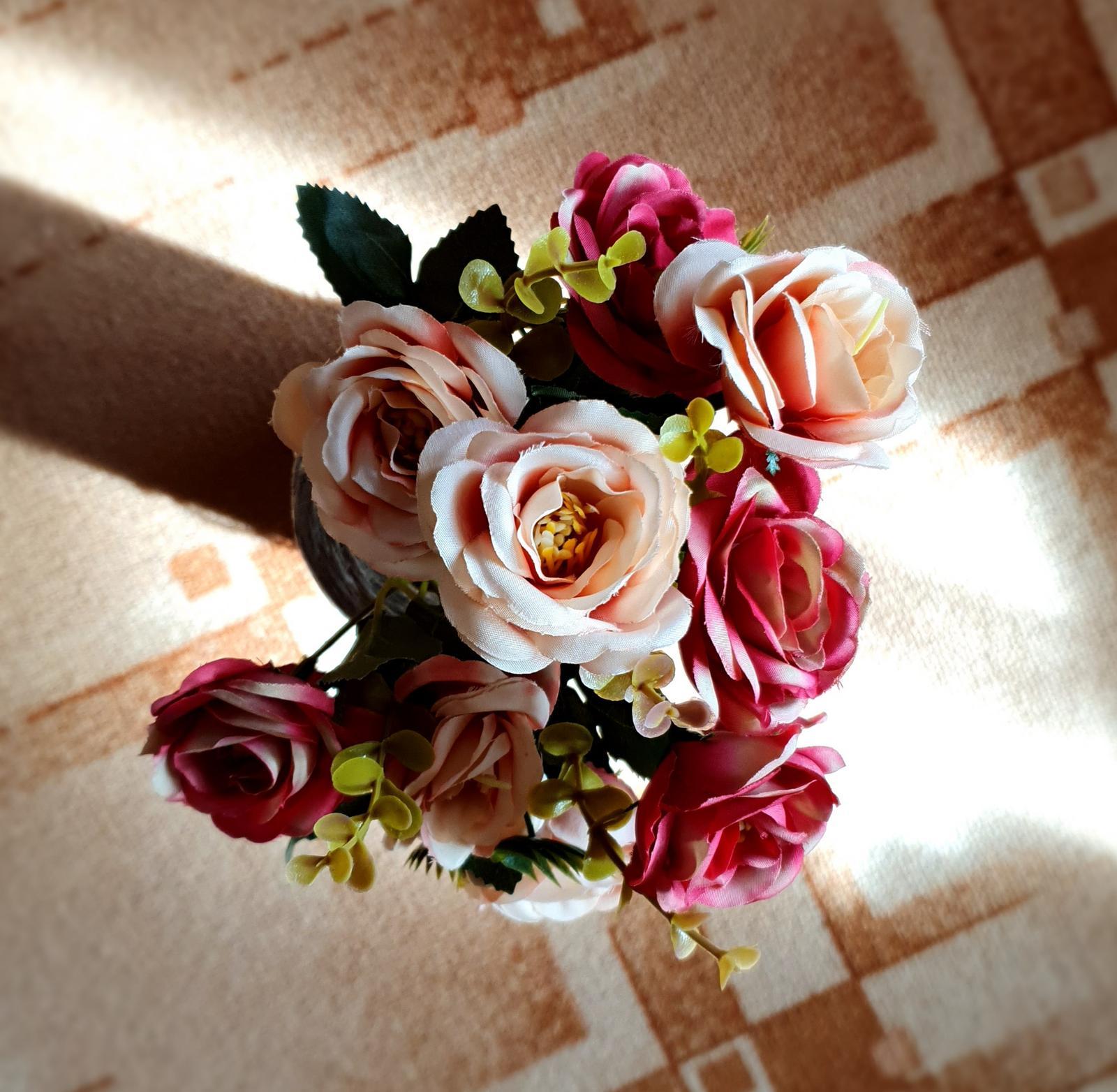 Umělé květiny - Obrázek č. 4