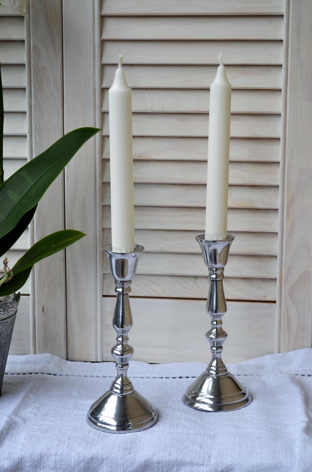 Svietnik na kónickú sviečku - Obrázok č. 1