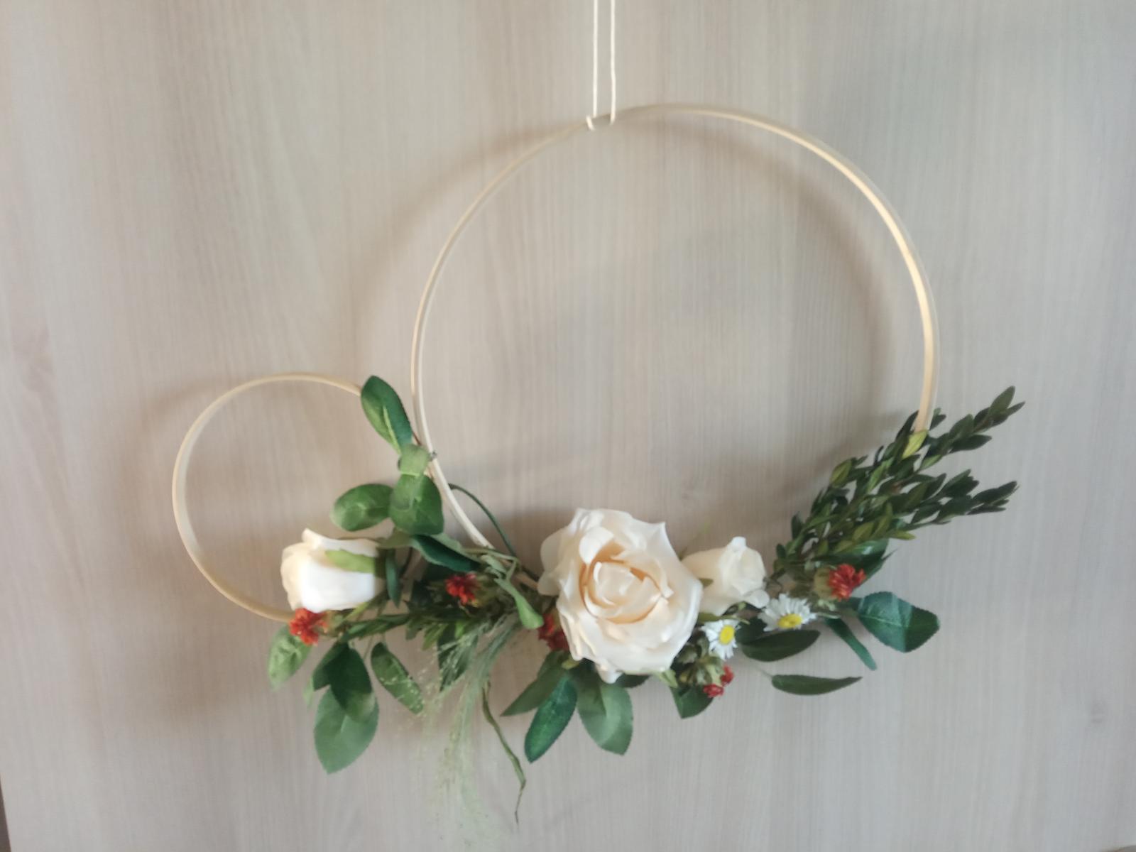 Ozdobné květinové kruhy - Obrázek č. 1