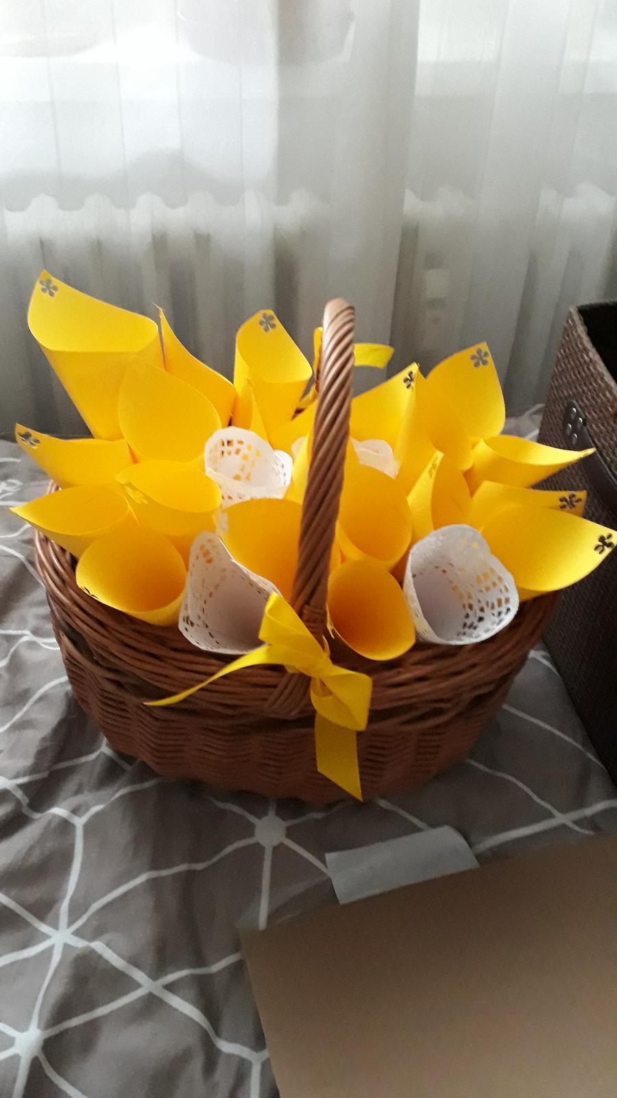 Kornoutky na rýži nebo okvětní plátky, žluté, 20ks - Obrázek č. 2
