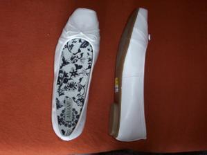 už jsem koupila botičky, . . . můžu se vdávat:-)