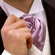 do toho obleku taku kravatu ale bez tej vesty potom...a sivy oblek..