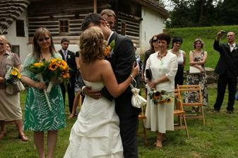 první políbení - podle maminek nemravně dlouhé :-D