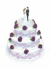 tak to je náš dort,jen ty růžičky a ozdoba budou do růžova:o)