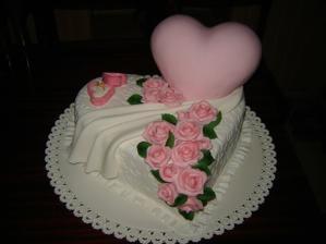 tortička, ktorú sme dostali na zásnuby od mamičky