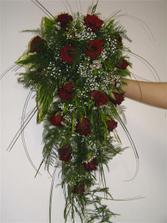 kytice - akorát budou bílé a rudé růže