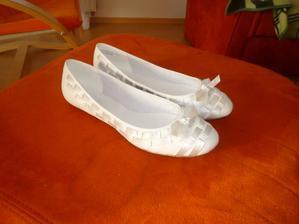 a k šatům i nové botky :-)