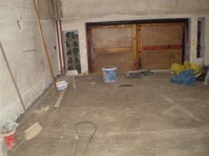 podlaha v obýváku téměř hotova
