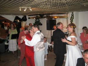 Tanec s rodiči...