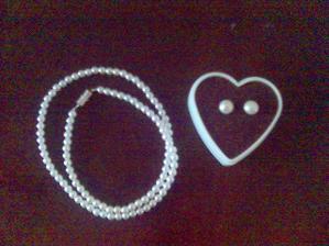 náušnice a náhrdelník neboli něco starého a něco půjčeného