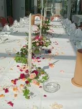 u takhle krásně (nebo podobně) vyzdobenýho stolu