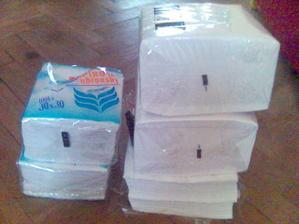 kde na stole bude.. 500 ubrousků :-D (pořád se nám jich zdálo málo, a tak jsme nakupovali a nakupovali...)