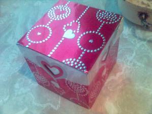 super krabička na výslužky....ale my budem mít na svatbě hodně žroutů, takže tam možná ani nebude co dát :-)