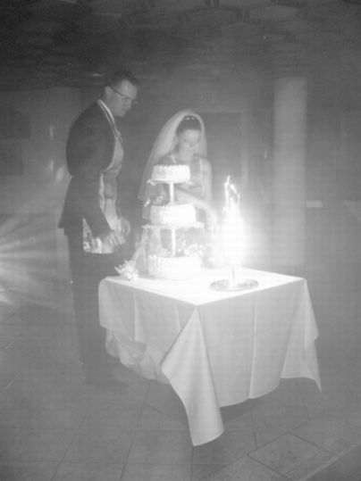 Andrea Igazová{{_AND_}}Tomáš Paško - ...krájanie svadobnej torty...