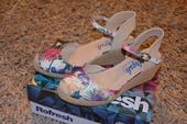 Kvetinové sandálky - nenosené, 38