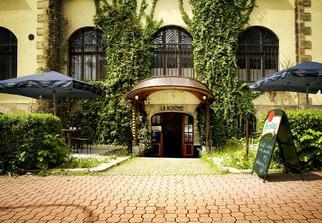 naše oblíbená restaurace - bude tam hostina i následný mejdan :-) ...a je přímo naproti muzeu