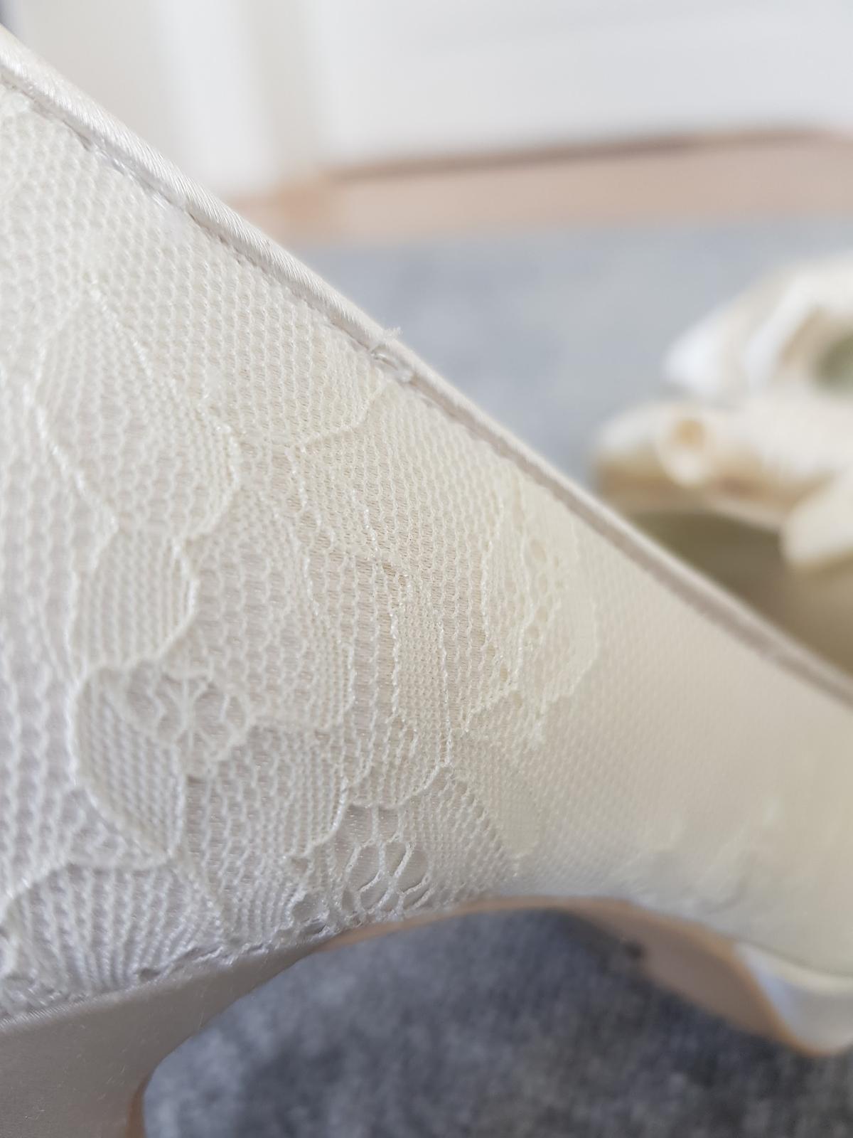 Menbur svatební peep-toe boty - Obrázek č. 4