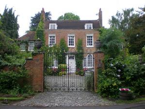 anglicke domy su skratka super