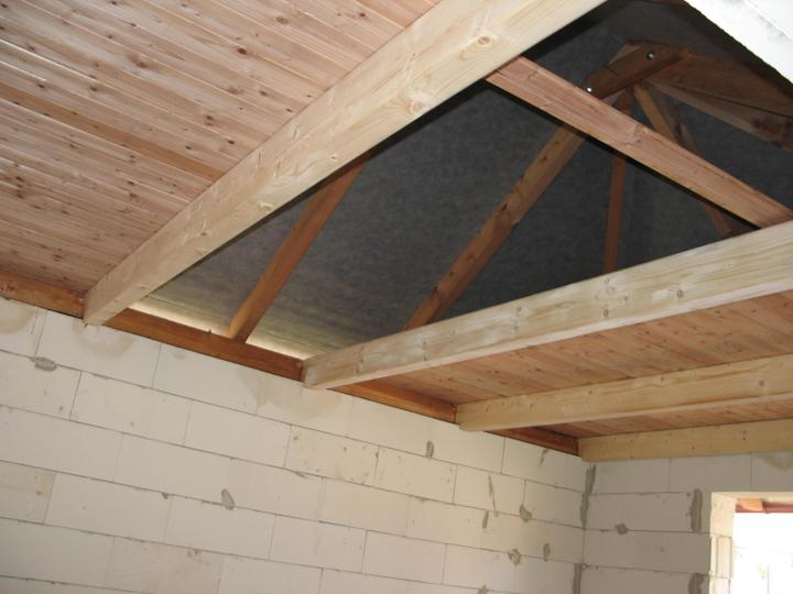 STEP  BY    S  T  E  P - otvoreny strop v pernikovke - miesta je vzdy malo