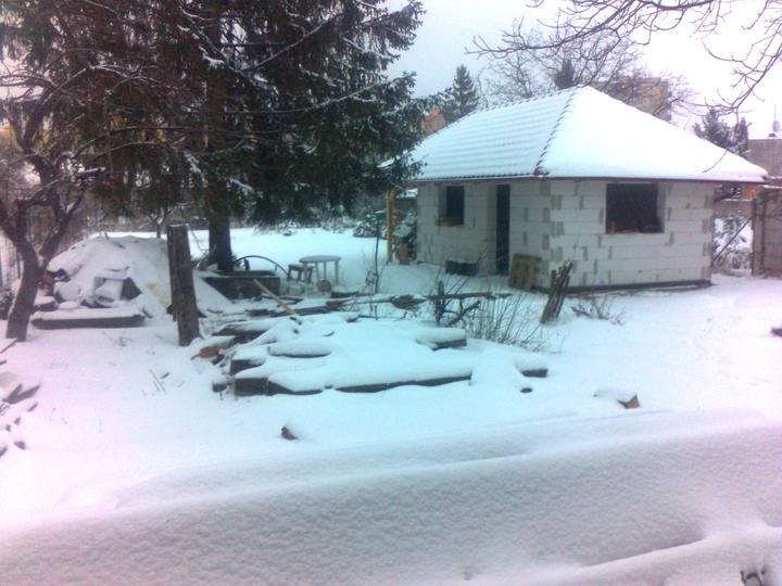 STEP  BY    S  T  E  P - konecne aj my mame sneh - sice len na chvilu, ale potesi :)
