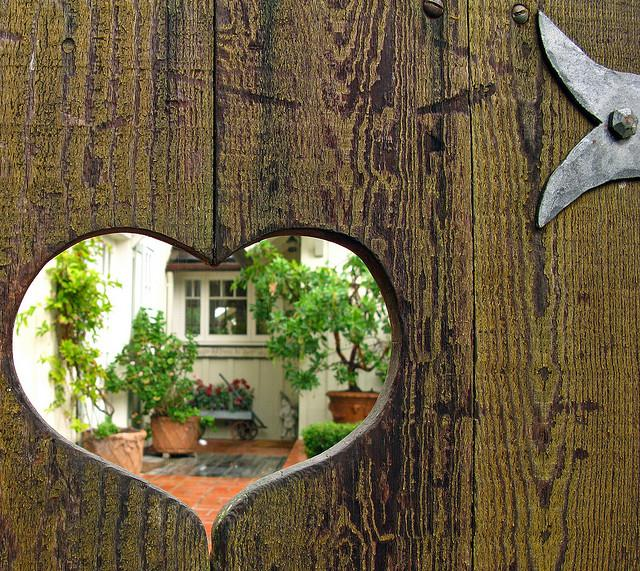 Life is so beautiful - domov je tam, kde mas srdce