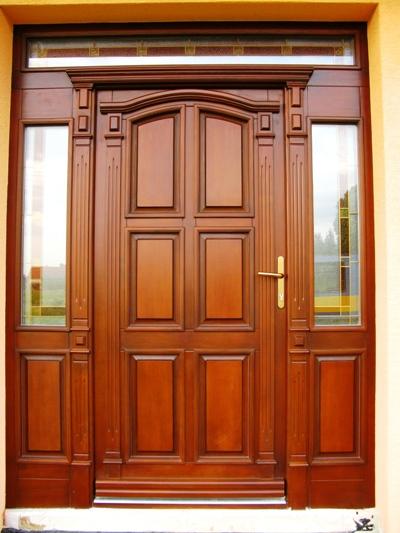 STEP  BY    S  T  E  P - tieto dvere, ale zvonku bordove, zvnutra biele, horne kazety budu nahradene sklom a nakolko nevedeli spravit vitraz, ktora sa mi paci budu so sklom - dalsia foto