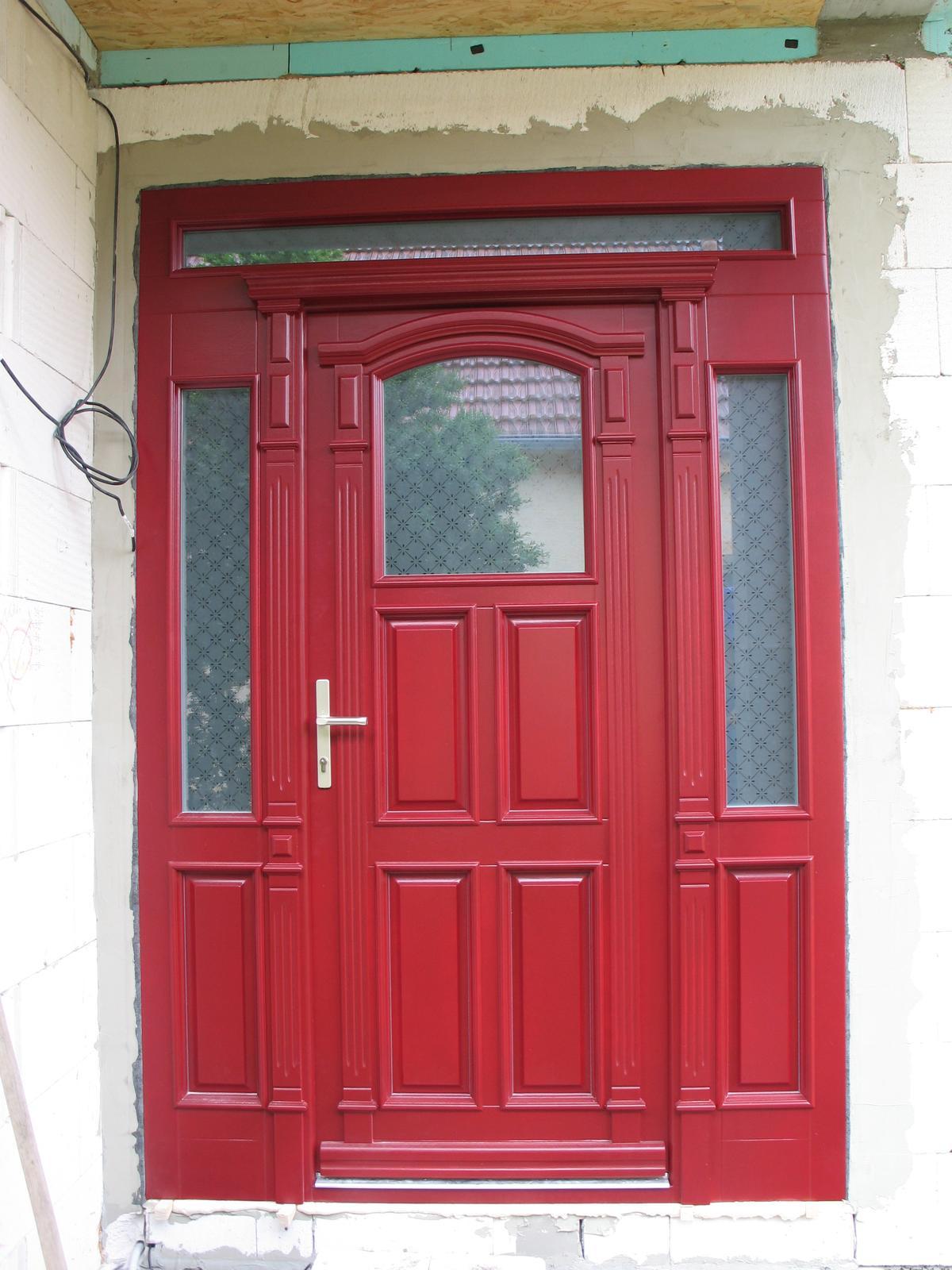 STEP  BY    S  T  E  P - nase nove dvere,  farba je v skutocnosti tmavsia