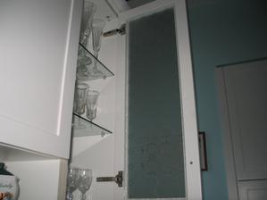 som zamilovana do skla oxford, mam ho na interierovych aj exterierovych dverach - je paradne