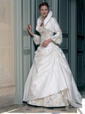 nádherné šaty, veľmi sa mi páčia