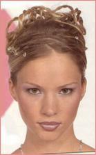 veľmi pekný make-up ale aj vlasy