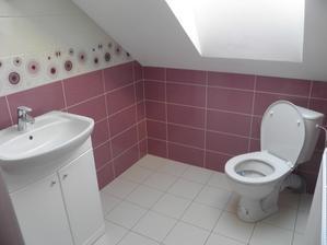 Horná kúpelna konečne dokončená..........