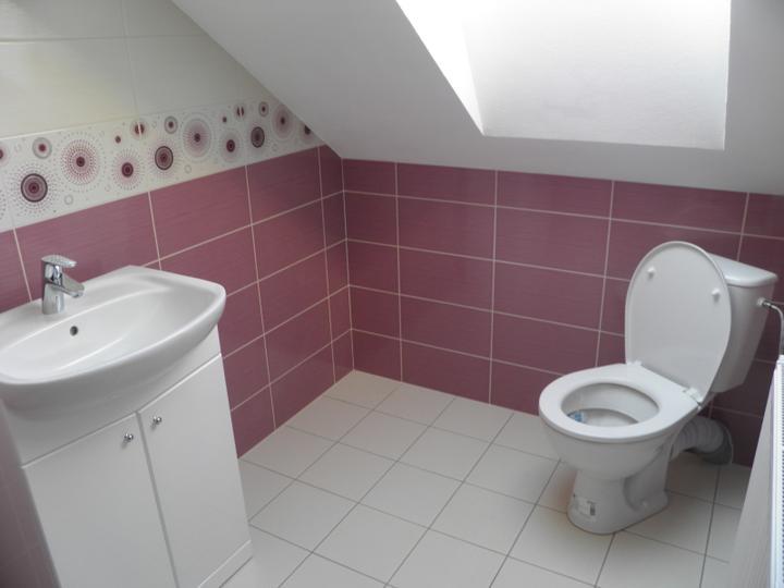Náš domček, naša radosť a starosť ............... - Horná kúpelna konečne dokončená..........