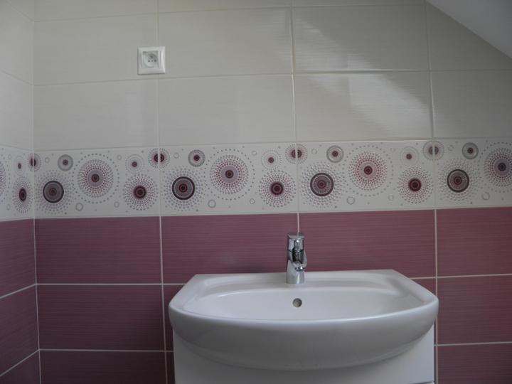Náš domček, naša radosť a starosť ............... - vedľa umývadla bude ešte práčka zvrchu plnená