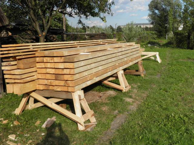Náš domček, naša radosť a starosť ............... - drevo na strechu natreté bezfarebným lignofixom