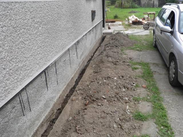 Náš domček, naša radosť a starosť ............... - kopala sa nová elektrická prípojka