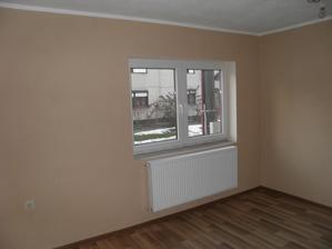obývačka s umytým oknom