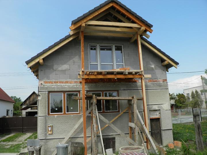 Náš domček, naša radosť a starosť ............... - okná - zadná strana