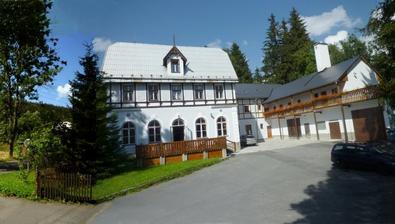 Hotel Karlov, budova z roku 1908