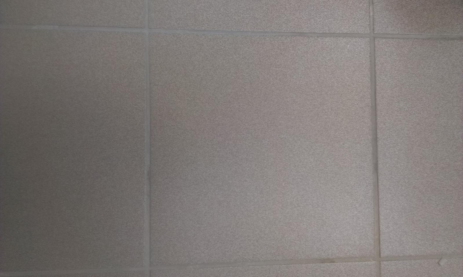 Ahojte, vedeli by ste prosim poradit ako sa vola tato dlazba a kde v BA ju maju? Je to klasicka vonkajsia mrazuvzdorna dlazba, 33*33cm a viem ze ju naisto robia aj v sivej a mali by z nej byt aj schodovky. Poradi niekto prosim? Potrebujem asi 6 dlazobnych kociek... - Obrázok č. 1