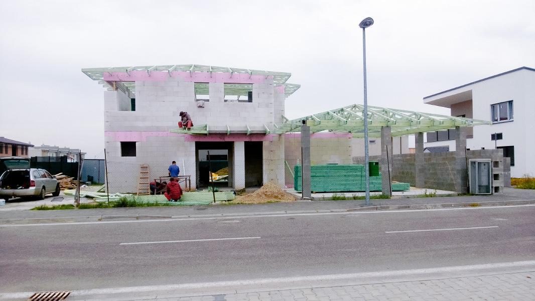 Realizácia rodinného domu pavari - Prízemie takmer hotové