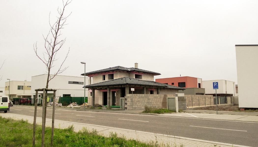 Realizácia rodinného domu pavari - Hrubá stavba takmer hotová