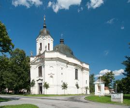 náš kostel, jeden z nejkrásněji zdobených v okolí Budějovic