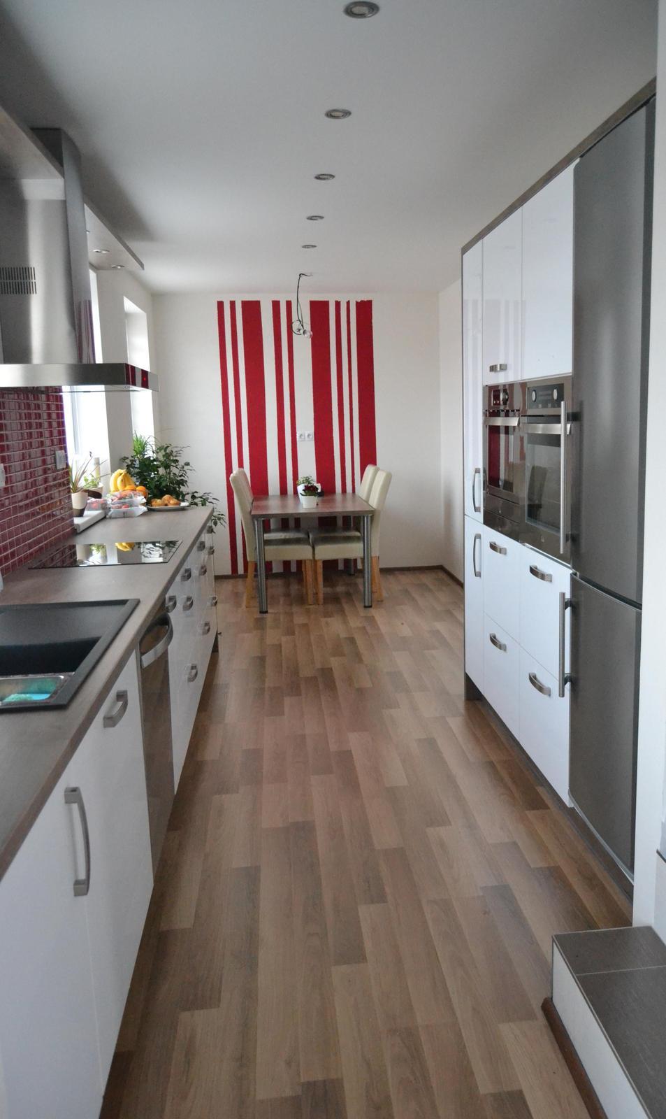 Dokončená a doleděná kuchyňka :-) - Obrázek č. 1