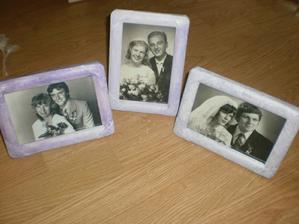 upravené rámečky na fotografie rodičů a prarodičů