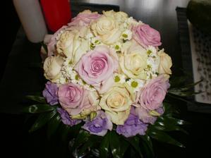 moje svatební květina, naprosto nádherná, přesně dle mých představ...