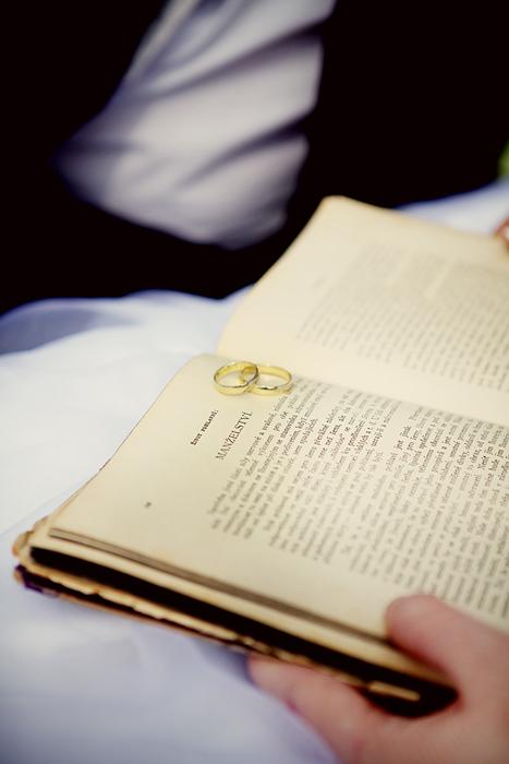 Alenka{{_AND_}}Maťko - tato knižka bude snad raz moje dedičstvo :) babka ju mlaa po svojej mame a snad mi ju maminka da niekedy  :)