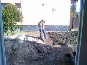bolo pekne tak sme už aj na záhradke pracovali nech možme potom rovno sadiť :)