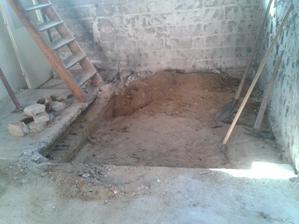 dávame preč beton aby mohli ist trubky do kuchynky