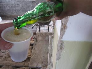 naše pivečko čo sme si sami vyrobili, po robote padlo vhod :-D