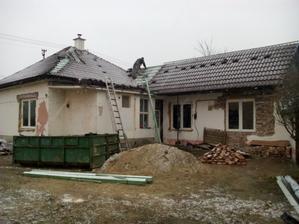 počasie našej streche nepraje a začalo snežiť, ale pracovali sobotu pilne aj tak ale ešte nieje dorobena kým sa počasie neumúdri
